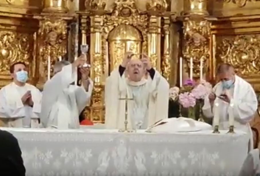 Misa en Montejo Oficiada por D. Carlos Osoro Obispo de Madrid